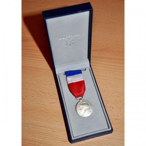 MEDAILLE DU TRAVAIL 20 ANS - qualité bronze argenté 2