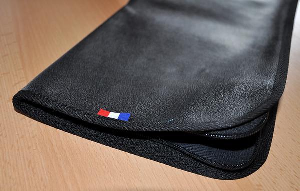 ETUI PORTE DRAPEAU cuir noir bufflon avec bretelles