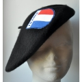 BERET NOIR ECUSSON TRICOLORE FRANCE
