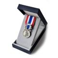 MEDAILLE D HONNEUR DE LA POLICE argent 20 ANS bronze argenté